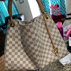 Louis Vuitton Artsy Handbag Damier MM!